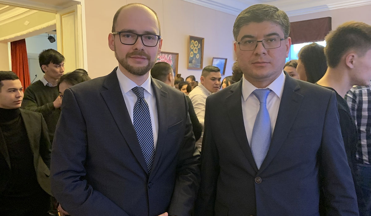 Minin university took part in a round table conference where participants discussed cooperation of the Nizhny Novgorod region and the Republic of Uzbekistan