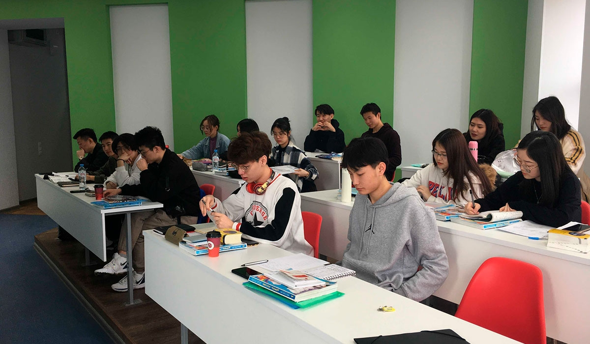 Foreign students have successfully completed their studies at the preparatory course organized by Minin university
